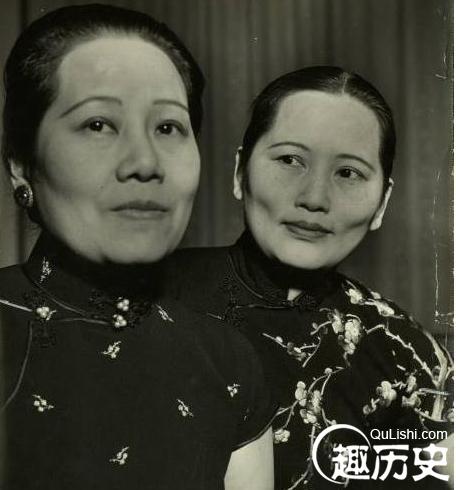 蒋介石和宋美龄乘坐的飞机由于跑道照明设施被炸盘旋